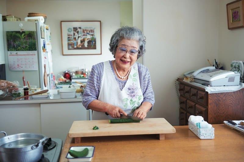 【92歳の料理研究家】桧山タミさんが語る家族を …