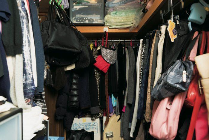 クローゼット 離 断 捨 年末の中掃除②クローゼットの洋服を全部出して水拭き。