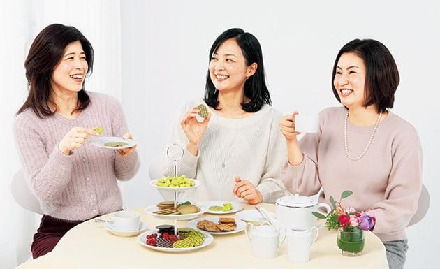大平美弥さん、栃尾江美さん、林 士乃さん