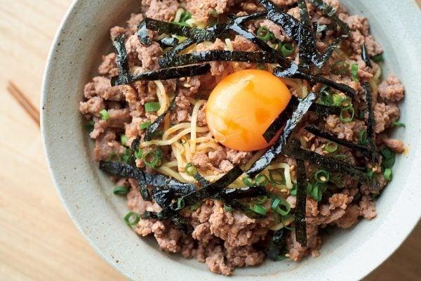 「豚ひき肉しょうが醤油漬け」と、2つの展開料理【ぐっち夫婦の下味冷凍レシピ】。