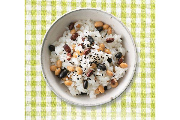 蒸し豆プラスで低糖質。カラフルお赤飯【蒸し大豆ダイエットレシピ】