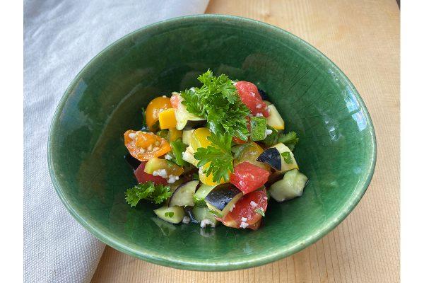 塩麹で簡単にできる、イスラエル風サラダ【ビジンサマレシピ】